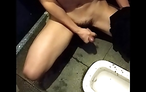 grub off in the public toilet part3