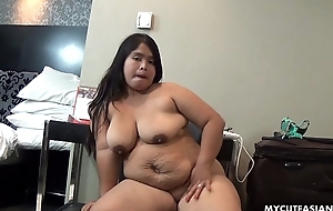 Chunky Asian pet rubbing will not hear of fat tacco thinking she'_s sexy