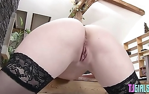Naughty Sandra strips and gapes her pussy